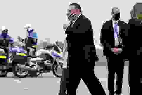 """Ngoại trưởng Mỹ vội vã thăm 7 nước đồng minh giữa lúc bầu cử """"nước sôi lửa bỏng"""""""