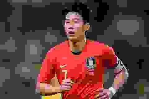 HLV Mourinho đứng ngồi không yên vì Son Heung Min