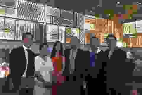 Thầy Park và những người bạn thân trong đám cưới của Công Phượng