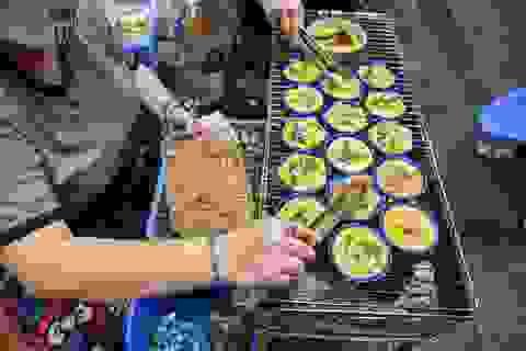 Trứng chén nướng - món ăn vặt lạ miệng thu hút giới trẻ Hà Nội