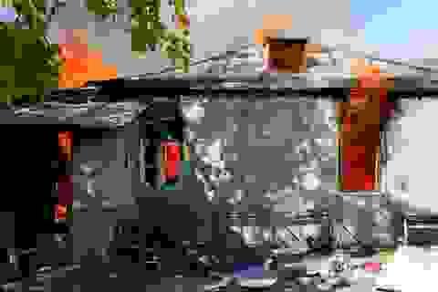 Người dân tự tay đốt nhà trước khi Azerbaijan tiếp quản khu vực tranh chấp