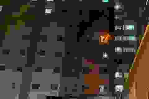 Cháy ở cao ốc Long Thịnh, nhiều cư dân tháo chạy
