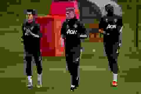Cầu thủ Man Utd âm thầm tập luyện, chờ Premier League trở lại