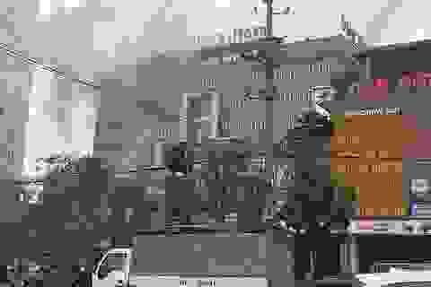 Cháy khách sạn Vinh Plaza, khách tháo chạy tán loạn