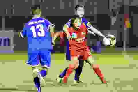 """Sự cố """"bẻ còi"""" trong ngày đầu lượt về giải bóng đá nữ vô địch quốc gia"""
