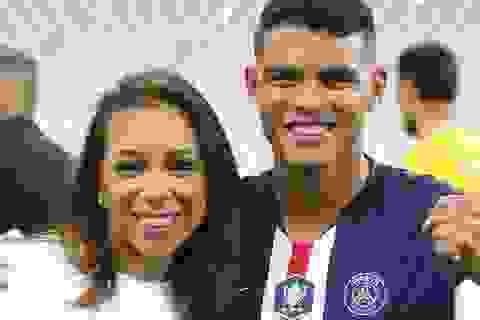 """Thi đấu xa nhà, Thiago Silva bất ngờ được bà xã tặng """"quà"""""""