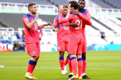 "Newcastle 0-2 Chelsea: Phá ""ải"" St James' Park thành công"