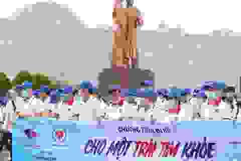 """Bình Định: Gần 3.000 người đi bộ """"Cho một trái tim khỏe"""""""