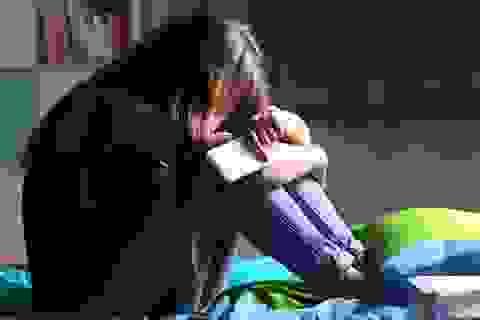 """Tuổi teen sốc khi bố mẹ tra khảo: """"Hai đứa đã ngủ với nhau chưa?"""""""