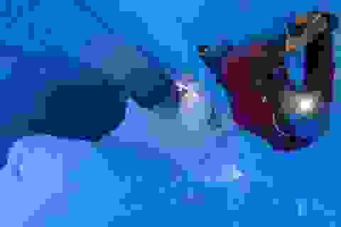 Dải băng Greenland xuất hiện nhiều lỗ hổng khổng lồ