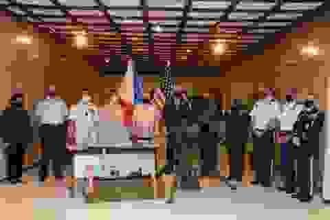 Mỹ bàn giao lô vũ khí trị giá 18 triệu USD cho Philippines