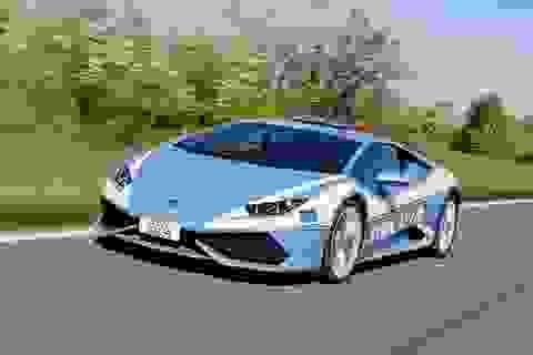 Cảnh sát dùng siêu xe Lamborghini để đưa thận đến cho bệnh nhân cần ghép