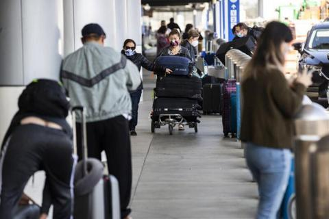 Mỹ ra chính sách mới: Du khách từ 23 nước sẽ phải đặt cọc tới 15.000 USD