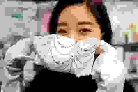 Nhật Bản ra mắt loạt khẩu trang đính kim cương, ngọc trai giá chục nghìn đô