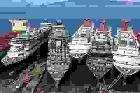 """Những chiếc tàu du lịch """"triệu đô"""" xếp hàng chờ phá dỡ vì dịch Covid-19"""