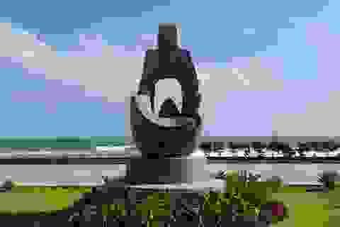 Thêm một tác phẩm điêu khắc bị sao chép ở công viên biển Tuy Hòa