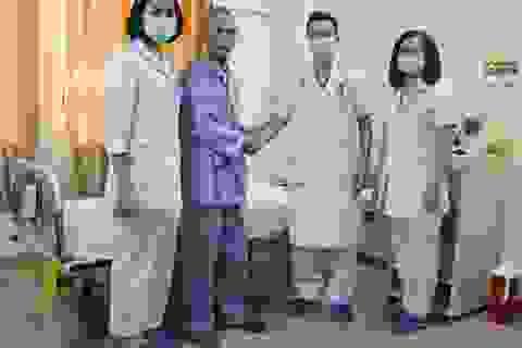 Người đàn ông ung thư phổi di căn não thoát liệt nhờ xạ trị
