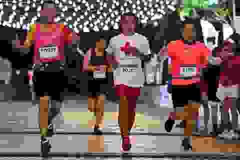 Ông Đoàn Ngọc Hải tiếp tục chinh phục giải chạy 42km ở Hà Nội