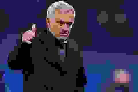 """Jose Mourinho: Quái kiệt """"phá"""" bóng đá..."""