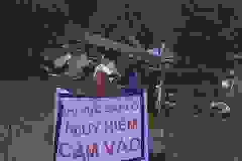 Sạt lở núi khiến 3 căn nhà đổ sập, nhiều nhà bị vùi lấp một phần