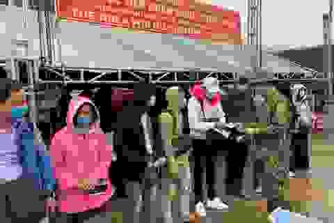 Tiếp nhận, cách ly 237 sinh viên Lào trở lại học tập