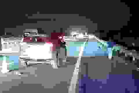 Người đàn ông bị ô tô tông chết khi đi bộ trên cao tốc Nội Bài - Lào Cai