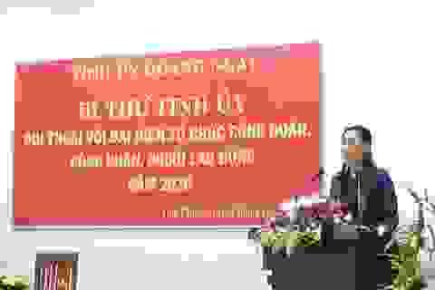 Bí thư Tỉnh ủy Quảng Ngãi đối thoại với công nhân