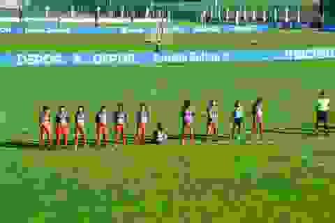 Nữ cầu thủ gây sốc khi quay lưng, từ chối tưởng nhớ Maradona
