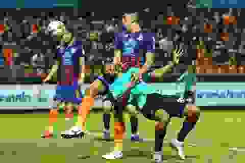Hàng thủ yếu kém, đội bóng của Văn Lâm bại trận trước Port Authority