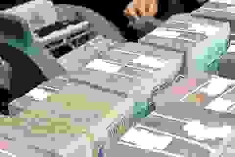 """Những doanh nghiệp siêu giàu có, mang """"núi"""" tiền gửi ngân hàng ẵm lãi khủng"""