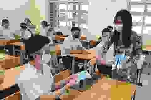Một học sinh liên quan đến ca mắc Covid-19, toàn bộ 2.000 học sinh nghỉ học