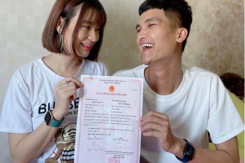 """Mạc Văn Khoa khiến khán giả bật cười khi chia sẻ """"đi đăng ký kết hôn"""""""
