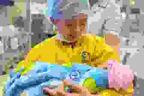 20 y bác sĩ chạy đua với tử thần cứu mẹ con thai phụ bị tai nạn nguy kịch