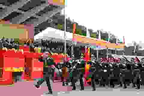 Diễu binh kỉ niệm 70 năm ngày truyền thống LLVT Quân khu 4