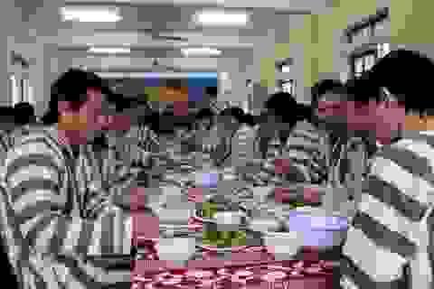 Vào ăn Tết ở trại giam để… tránh phạm thêm tội