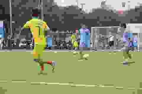 Nghệ An: Gần 300 cầu thủ tranh tài tại giải bóng đá cho người lao động