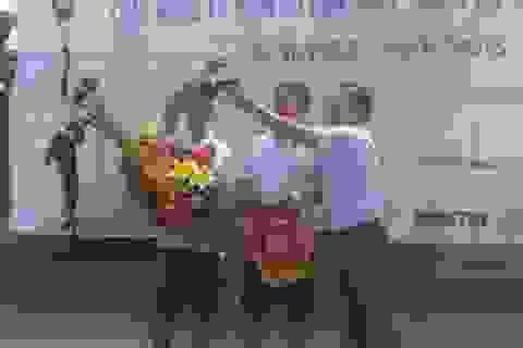 Đội Dân trí giành cúp vô địch giải quần vợt báo Tiền Phong mở rộng