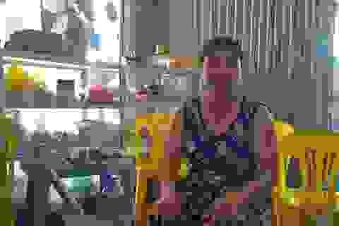 """Vợ ông Chấn được """"rửa mặt"""" tại làng quê"""