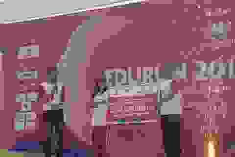 Vinschool trao tặng Quỹ Nhân ái 1,2 tỉ đồng để xây phòng học tại Sơn La