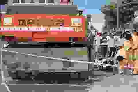 Hai phụ nữ chết thảm dưới bánh xe thi công đường