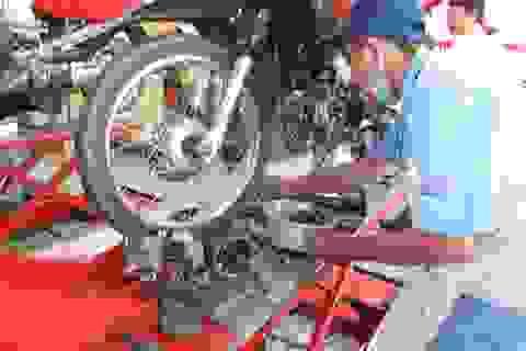 Hàng loạt xe máy hư hỏng nghi do xăng kém chất lượng