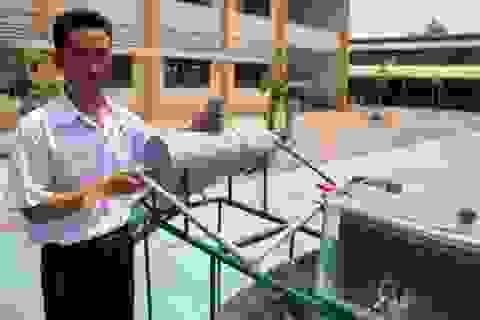 Nam sinh lớp 11 chế máy chưng cất nước mặn thành nước ngọt cho vùng hạn - mặn