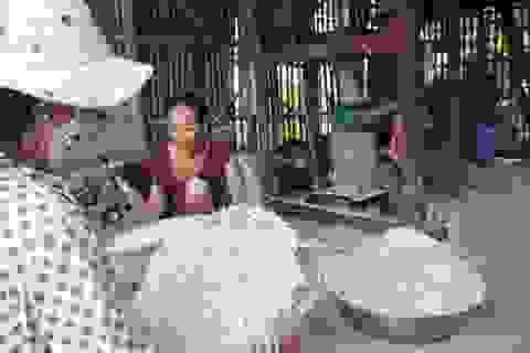 Cốm dẹp Nhị Trường của đồng bào Khmer tất bật vào vụ