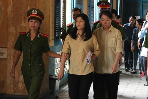 Đàn ông Trung Quốc mua vợ Việt giá 100 triệu đồng