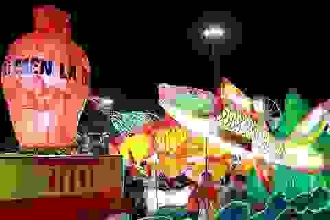 Mãn nhãn những mô hình đèn trung thu khổng lồ ở Tuyên Quang