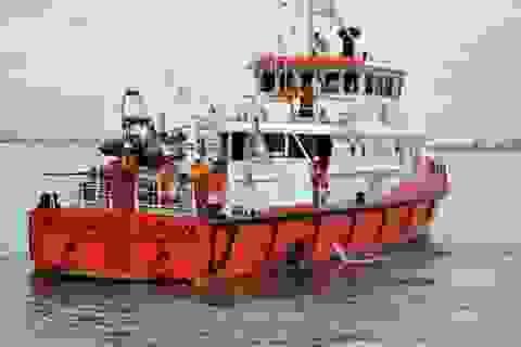 Đưa tàu cứu hộ cứu ngư dân bị đau bụng trên biển