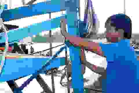 Tàu cá Quảng Nam bị tàu hải cảnh Trung Quốc cướp phá ngư lưới cụ