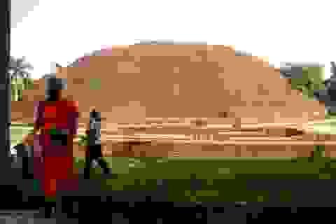 Viếng thăm nơi Đức Phật nhập niết bàn