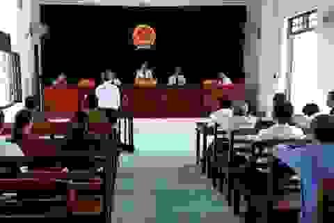 Xử phạt 3 năm tù Phó giám đốc BQL rừng phòng hộ mang gỗ lậu đi bán