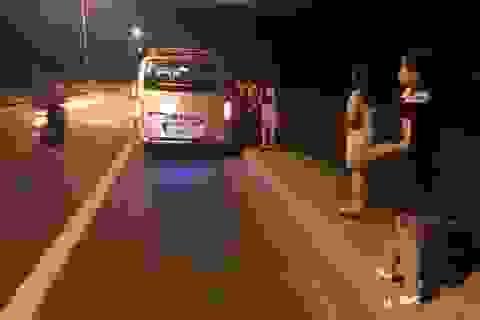 Hành khách hoảng hốt khi được thông báo lái xe xài bằng giả